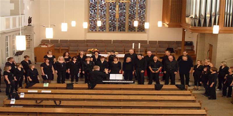 Der Chor Stimmicals mit einer Mischumg aus Gospel, Rock und Pop